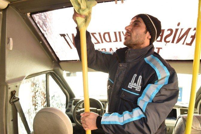 Büyükşehir, Minibüsleri De Dezenfekte Ediyor
