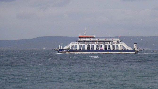 Çanakkale'de feribot seferleri iptal edildi