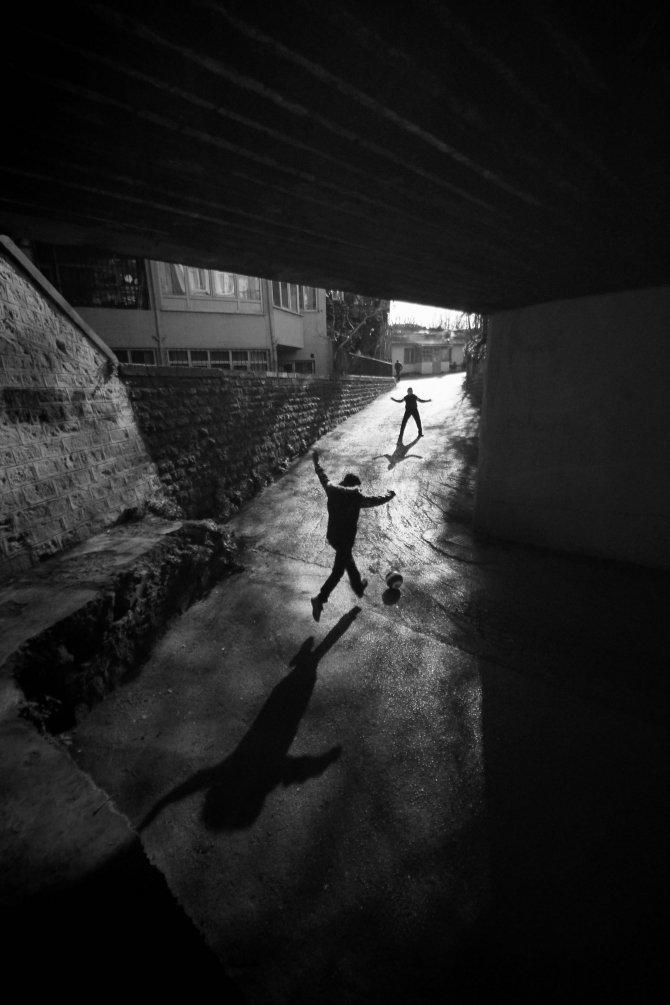 'Işık ve Gölge' sergisi Ankara halkıyla buluştu
