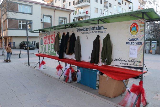 Giysi dolabından 1 ayda 3 bin 500 kişi yararlandı