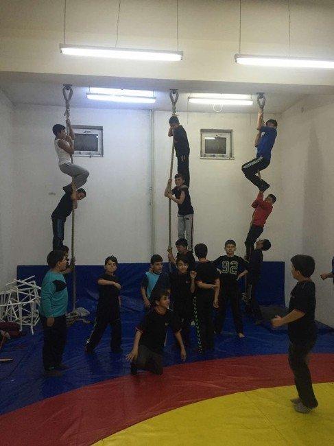Kargı Güreş Okulu Yeni Şampiyonlar Yetiştirecek