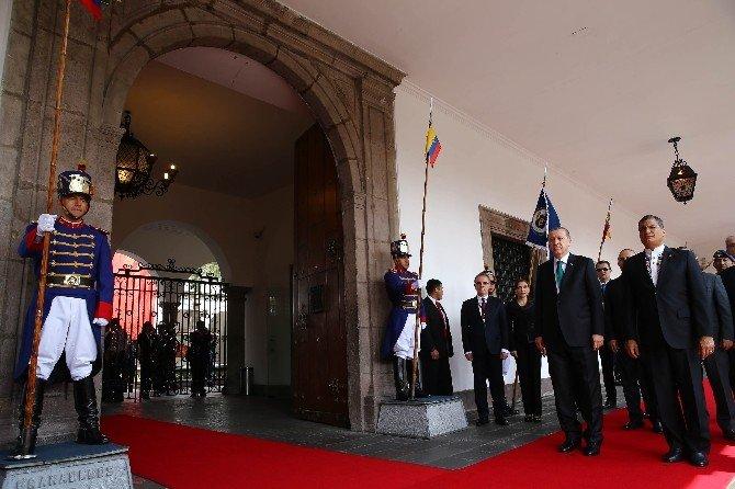 Cumhurbaşkanı Erdoğan, Ekvador'da Resmi Törenle Karşılandı