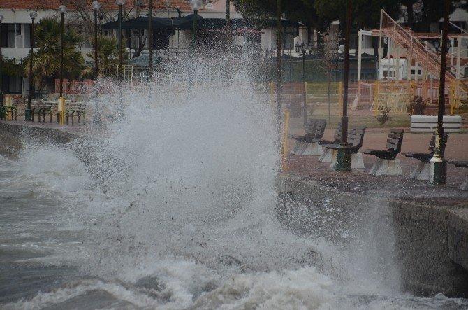Lodos Fırtınası Etkili Oluyor