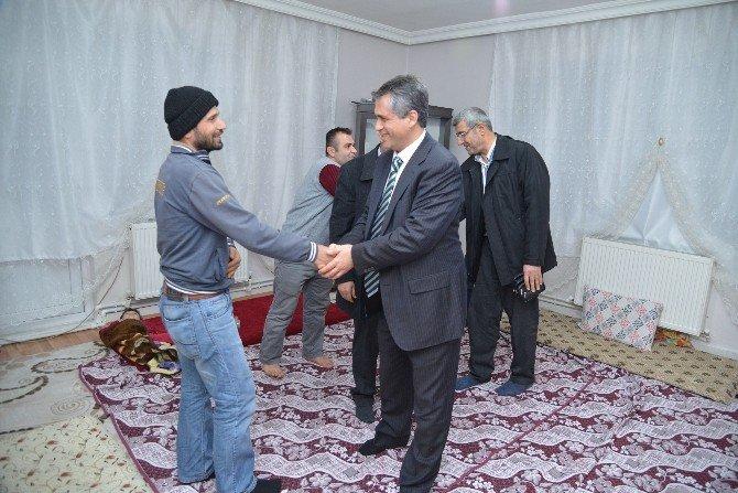 Eş Başkanlar Sur'dan Göçen Aileleri Ziyaret Etti