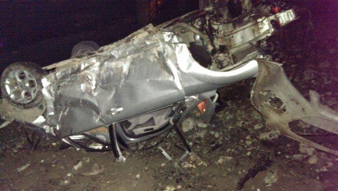 Otomobil Dereye Düştü: 2 Ölü, 1 Yaralı