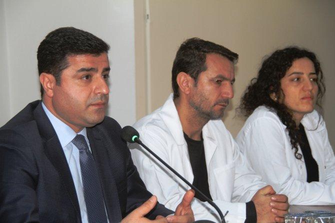 Demirtaş: Savaşa, zulme karşı ses verme eylemlerine davet ediyoruz
