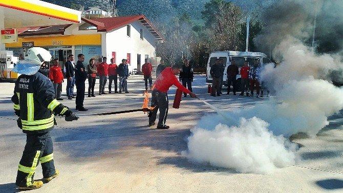 İtfaiyeden Akaryakıt İstasyonunda Yangın Tatbikatı