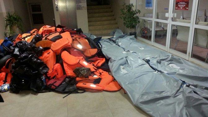 İzmir'de 11 göçmen kaçakçılığı zanlısı yakalandı