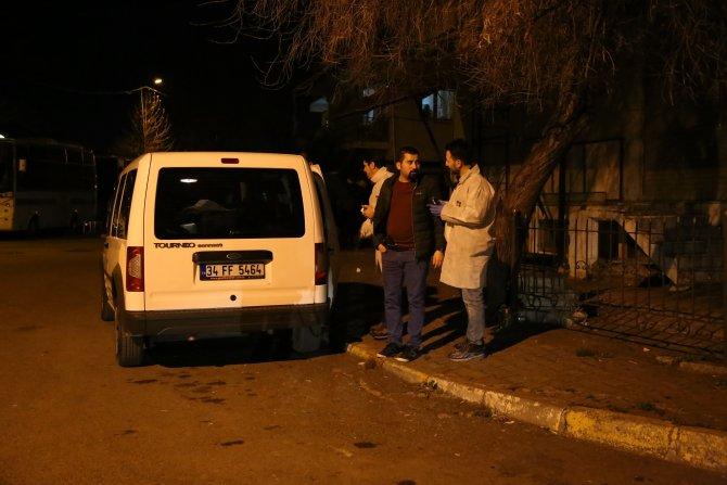 Küçük çocuğu rehin alan saldırgan, polis tarafından vuruldu