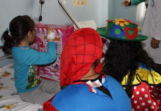 Onkoloji Servisi Çocuklarının Mutlu Günü