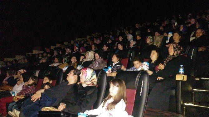 Hayatlarında İlk Kez Sinemaya Gittiler