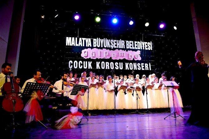 Büyükşehir Belediyesi 15 Tiyatro, 23 Konser Ve 6 Sergi Düzenledi