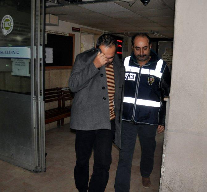 Manisa'da 3 gündür gözaltında olan 8 kişi sağlık kontrolünden geçirildi