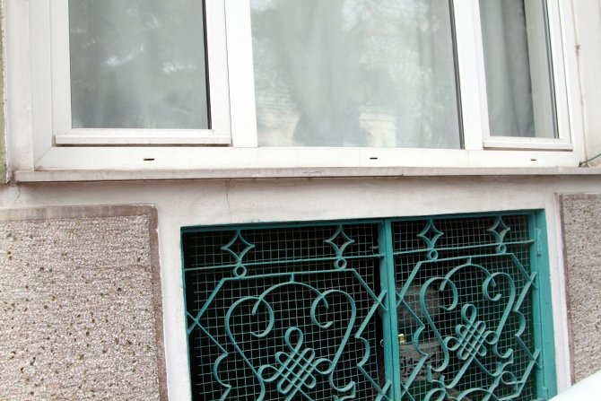 Bursa'da 5 katlı binanın altında bulunan türbe görenleri şaşırttı
