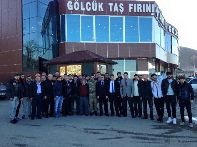 Arsinsporlu Futbolculara Başkan Şen'den Pide Ziyafeti