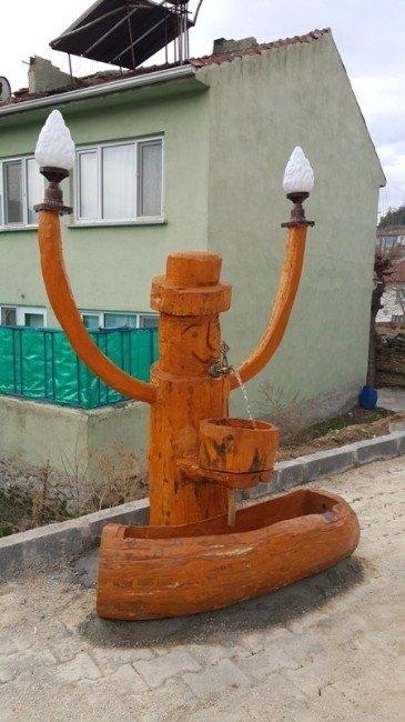 Sarıcakaya'da Karakteristik 'Şapkalı Adam' Çeşmesi