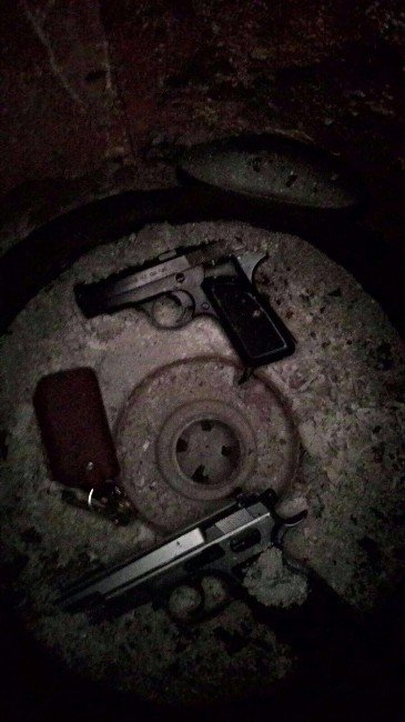 Silahla Yaralama Ve Tehdit Suçlarından Aranan 4 Kişi Yakalandı