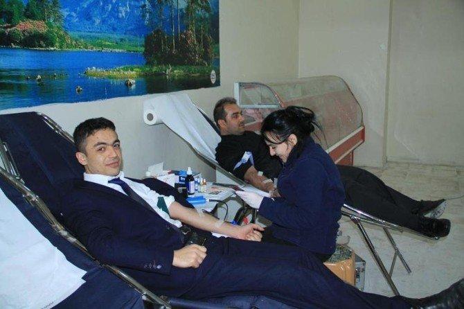 Sorgunlular Kan Bağışı Kampanyasına Yoğun İlgi Gösterdi