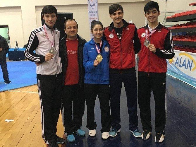 Taekwondoda Türkiye Şampiyonu Gaziosmanpaşa'dan Çıktı