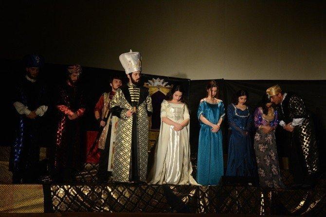 Sultan Harem Taht Kösem Tiyatro Oyunu Tekirdağ'da Sahnelendi