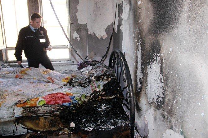 Yangında Mahsur Kalan Kız Kardeşleri İtfaiye Kurtardı