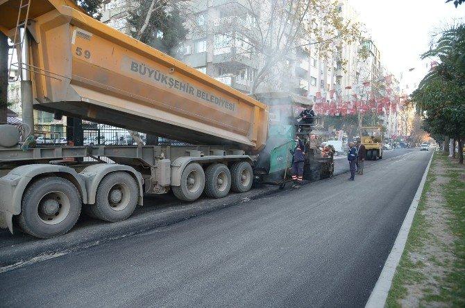 Büyükşehir'den Ziyapaşa'da Asfalt Ve Bordür Çalışması