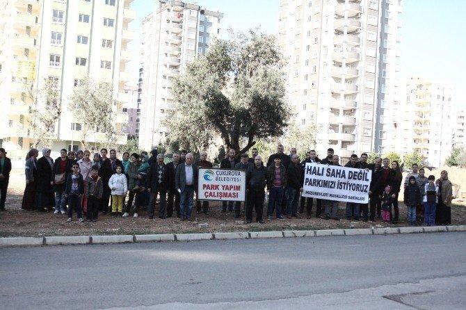 Çukurova'da Yeşil Alana Halı Saha Tartışması