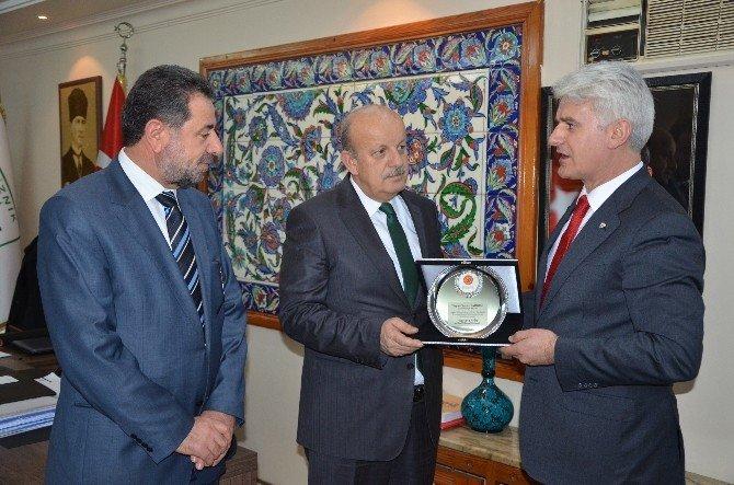 Şahin'den Teşkilatlara Ödül