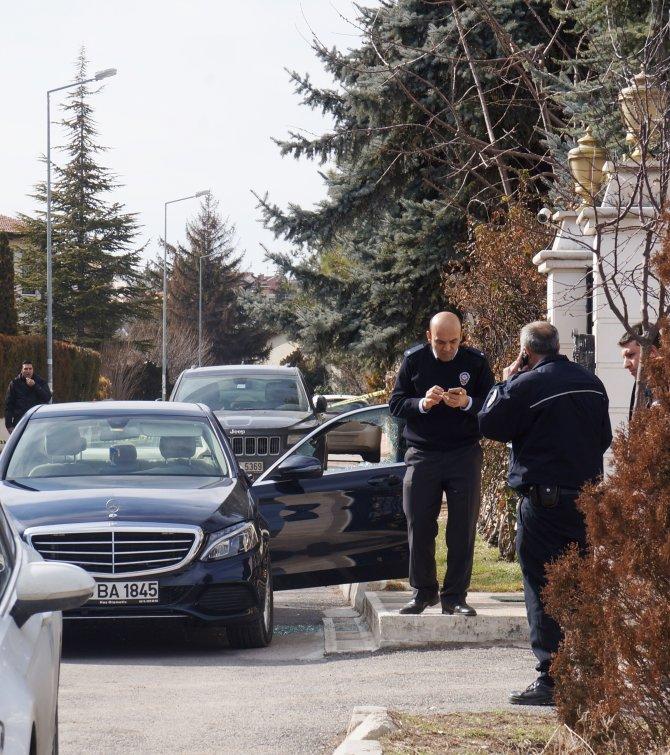 Başkent'te silahlı saldırıya uğrayan iş adamı ağır yaralandı
