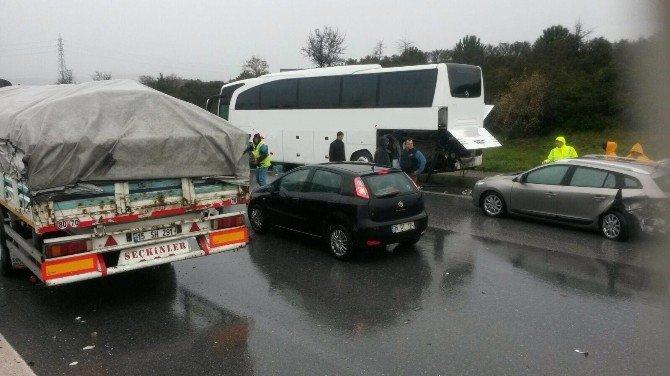 Aracından İnen Otobüs Şoförü Kazaya Hayatını Kaybetti