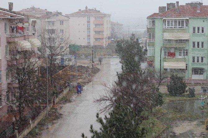 Babaeski'de Kar Yağışı Etkili Olmaya Başladı