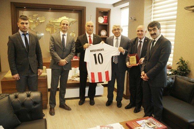 Belediyespor Yönetiminden Başkan Karaçanta'ya Ziyaret