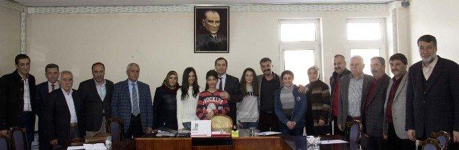 Bitlis Belediyesi 'Çocuk Meclisi Yönetmenliği'ni Onayladı