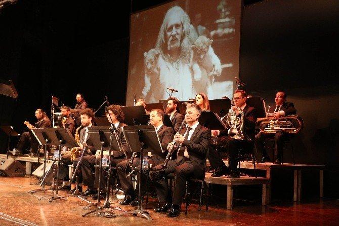 Büyükşehir Bandosu'ndan Barış Manço'yu Anma Konseri