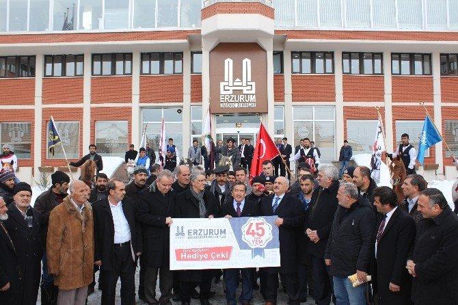 Cirit Kulüplerine Arpa Ve Para Yardımı