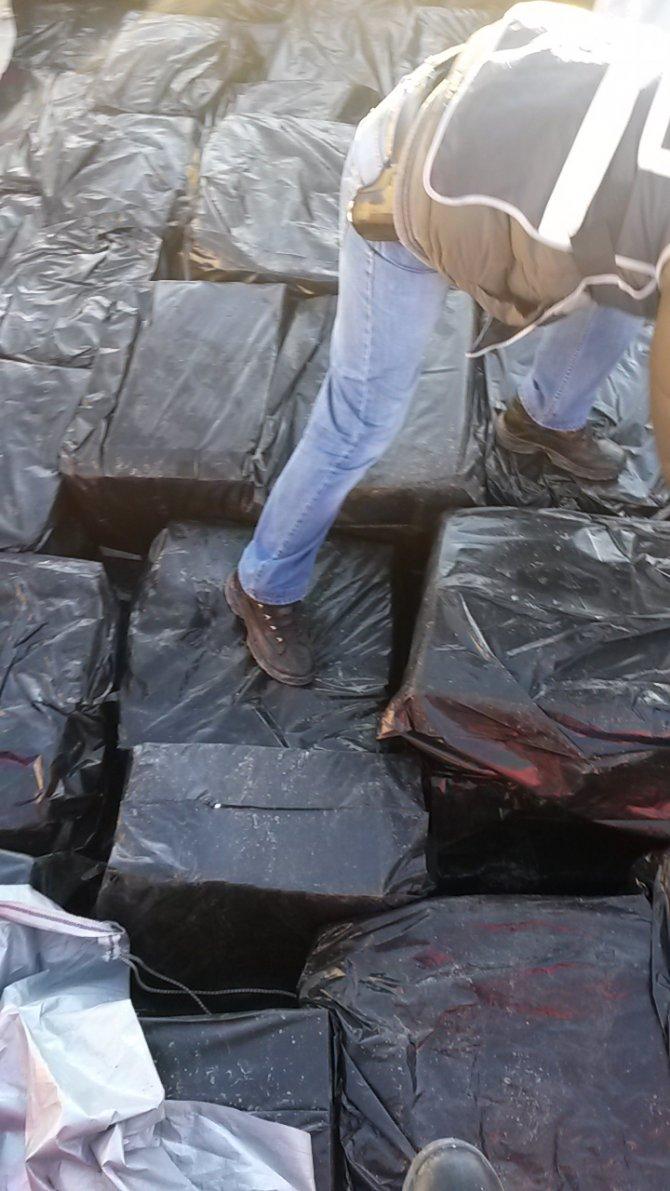 Çorum'da 100 bin paket kaçak sigara ele geçirildi