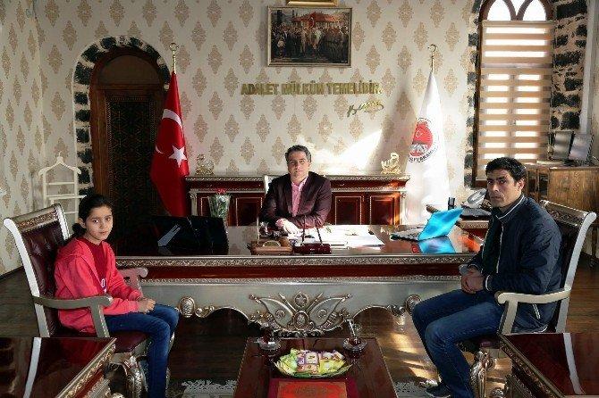 Ebru Keskiner Kaymakam Karagül'ü Ziyaret Etti