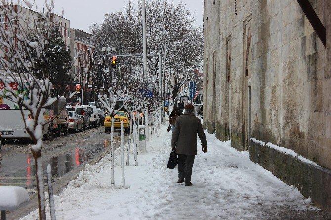 Edirne'de Kar Yağışı Etkili Oldu