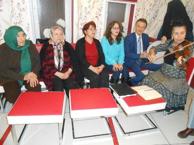 Türk Musikisi Eşliğinde Şiir Şöleni