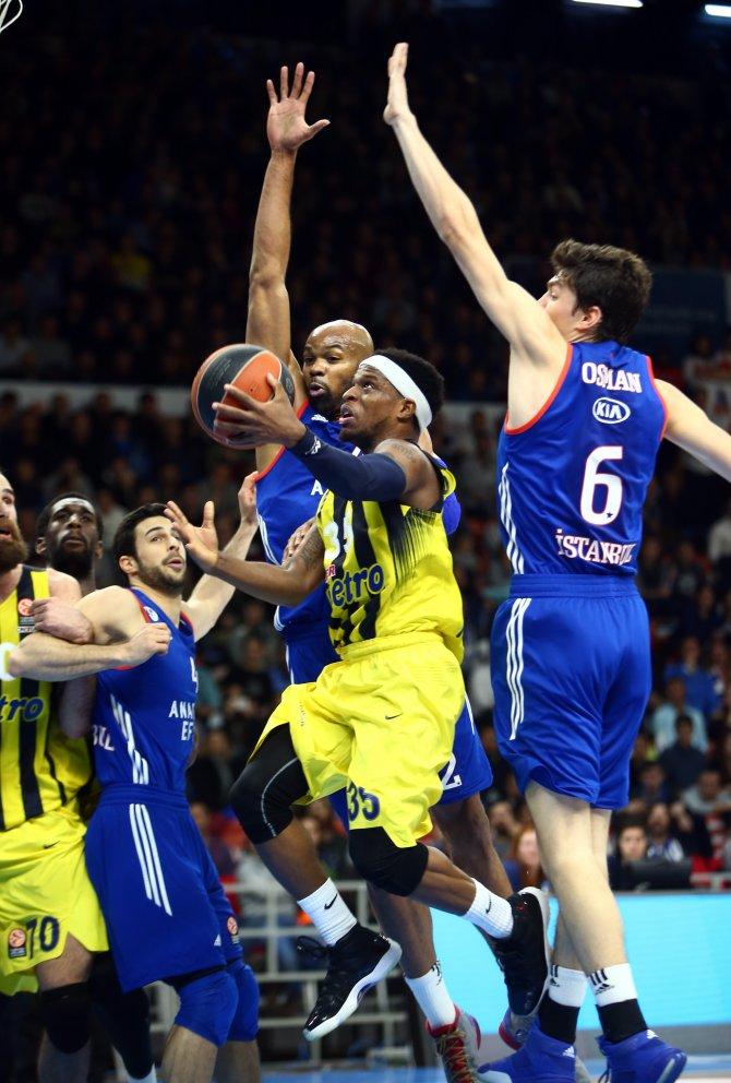 Euroleague'de Anadolu Efes - Fenerbahçe derbisini yine Fenerbahçe kazandı