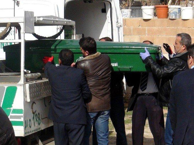 5 Kişinin Cenazeleri Evden Çıkarıldı