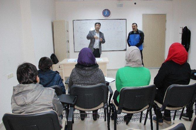 Karaman'da Sığınmacı Ailelerin Çocukları Türkçe Öğreniyor