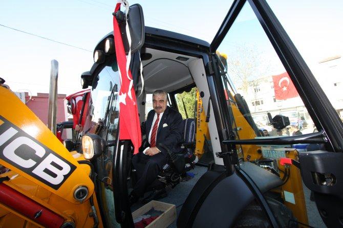 Kozan'ın yeni hizmet araçları yola çıktı