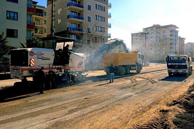 Fahri Kayahan Bulvarı'nda, Düzenleme Çalışmaları Başladı