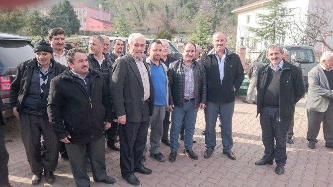 AK Partili Milletvekili Demir, Heyelan Bölgesini İnceledi