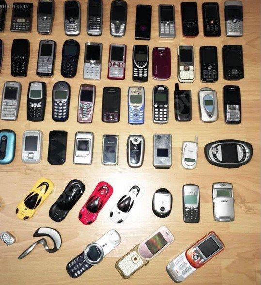 200 Bin Liralık Cep Telefon Koleksiyonunu Satılığa Çıkardı