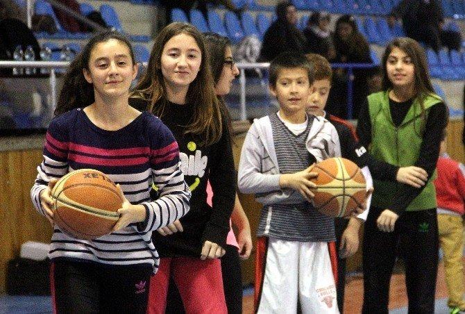 'Sahiller Sporla Şenleniyor' Projesi Tamamlandı