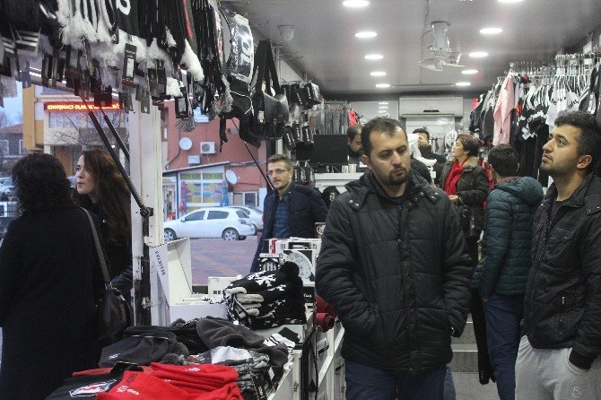 Beşiktaş Kartal Yuvası Tavşanlı'da Taraftarıyla Buluştu