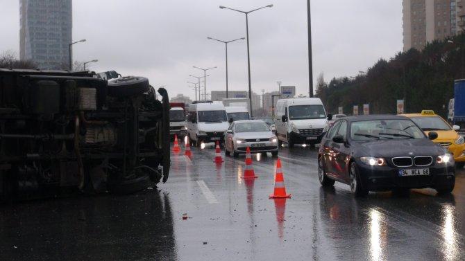 Yağış kazalara neden oldu