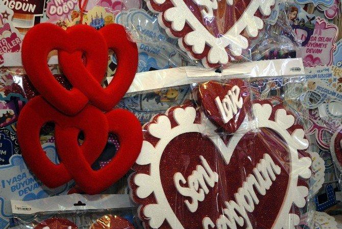 Aşk-ı Şehir'de Sevgililer Günü Hazırlıkları Başladı